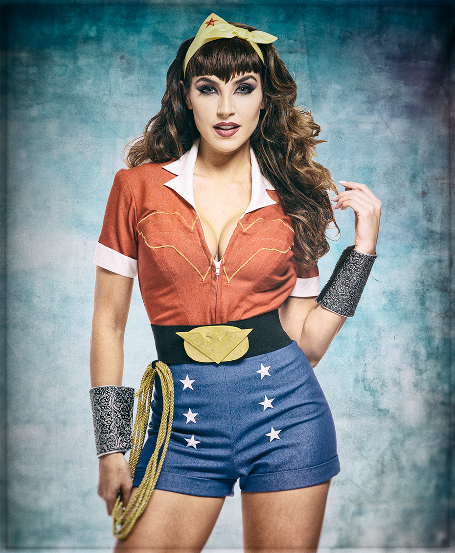 Wonder Woman Pin-Up